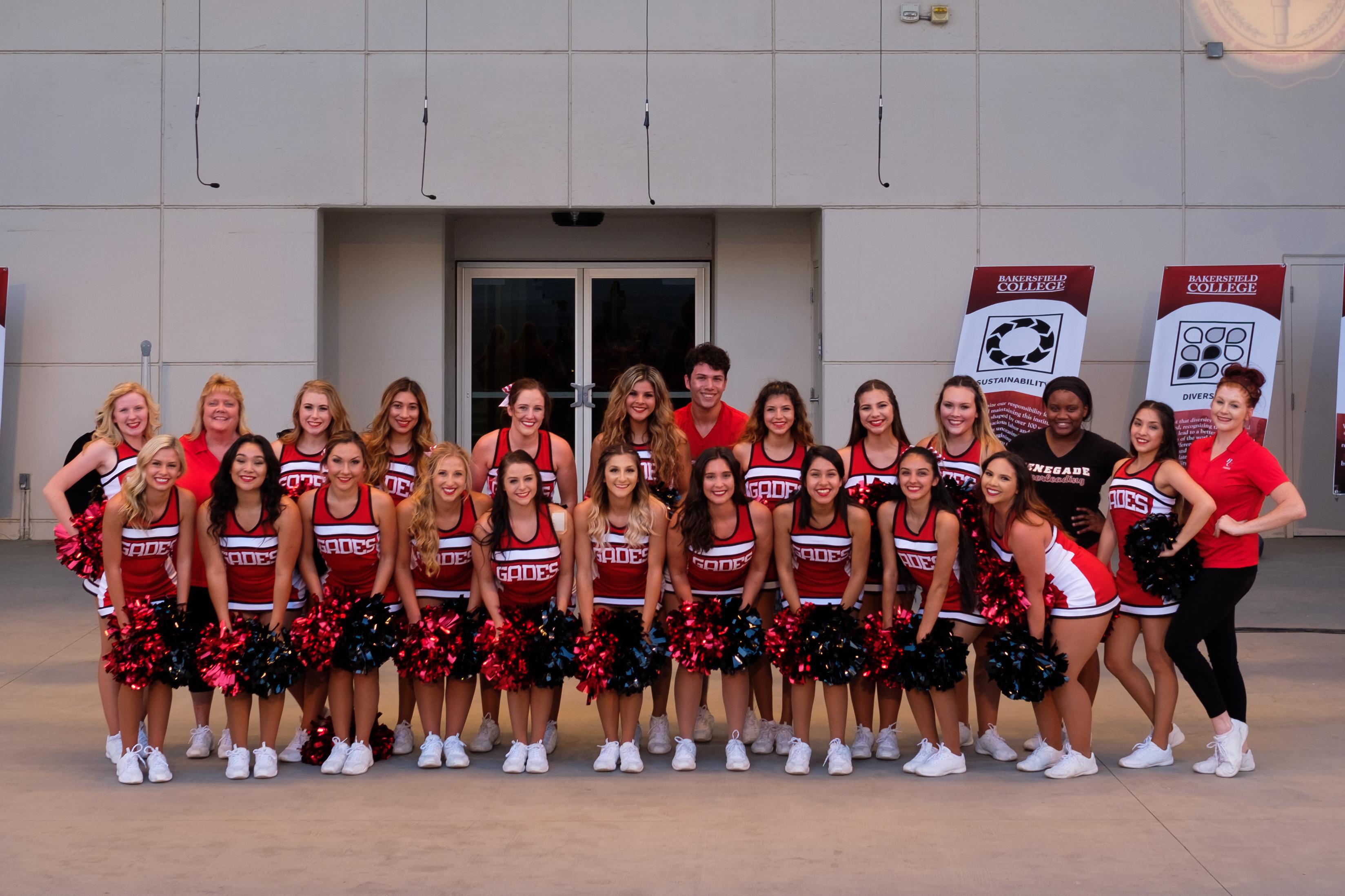 cheerleaders aug 18 2016.jpg
