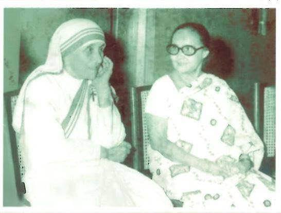 aunt-doro-with-mother-theresa