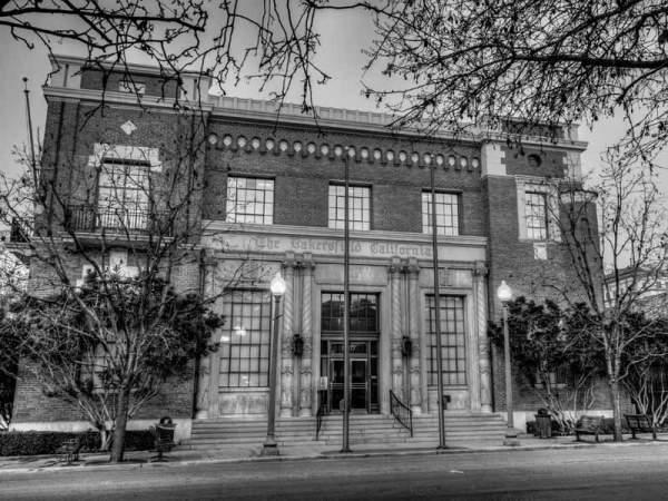 the-bakersfield-californian-building.jpg