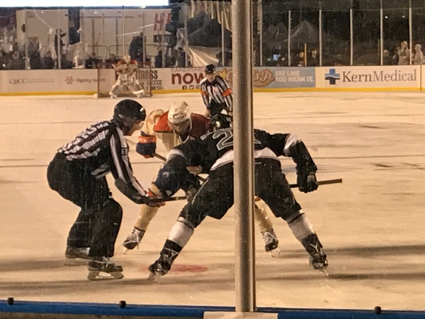face off Condors Reign Jan 7 2017 at the Memorial Stadium.jpg