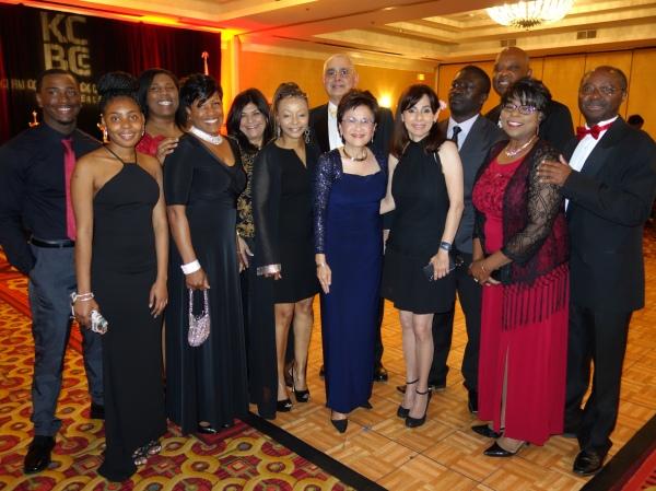 市长Karen Goh与Sonya Chr188金宝搏app苹果istian和BC于2018年4月20日在KCBCC会面。