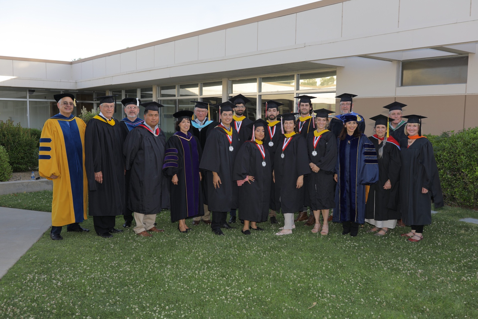 Baccalaureate students with dignitaries May 11 2018.jpg
