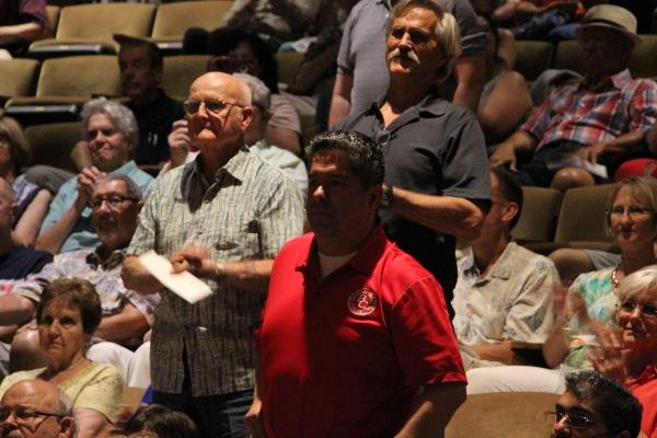 观众席成员
