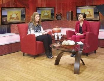 康妮·冈萨雷斯(Connie Gonzales)在Univeision促进梅萨干学前健康会议上被裁切
