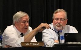 比尔·托马斯于2018年10月11日附议