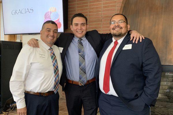 三名男性奇卡诺拉丁裔社区领袖