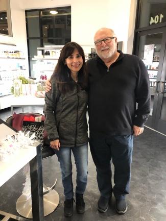 鲍勃·霍克斯和索尼娅·克188金宝搏app苹果里斯蒂安