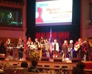音乐家在舞台上